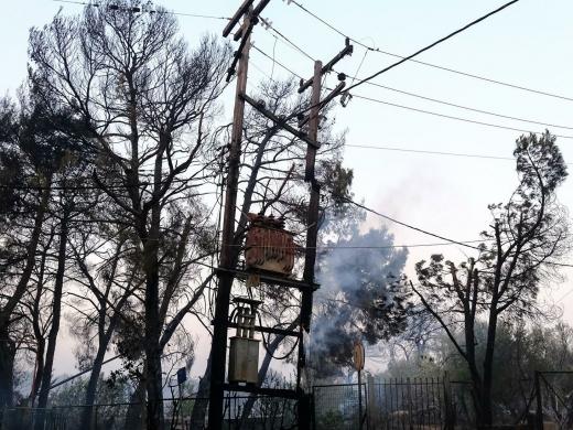 Φωτιά  στην Βαρυμπόμπη αλλά και αυξήσεις 30% στο ηλεκτρικό
